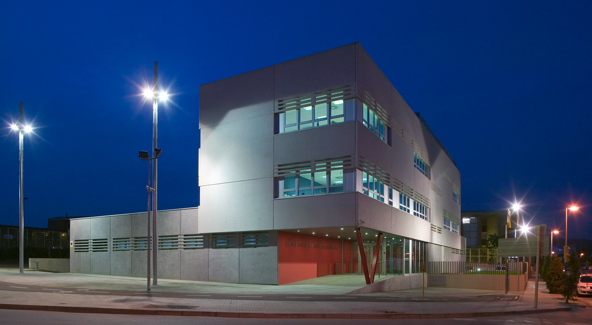 comissaria mossos d'esquadra vilanova i la geltru de nit