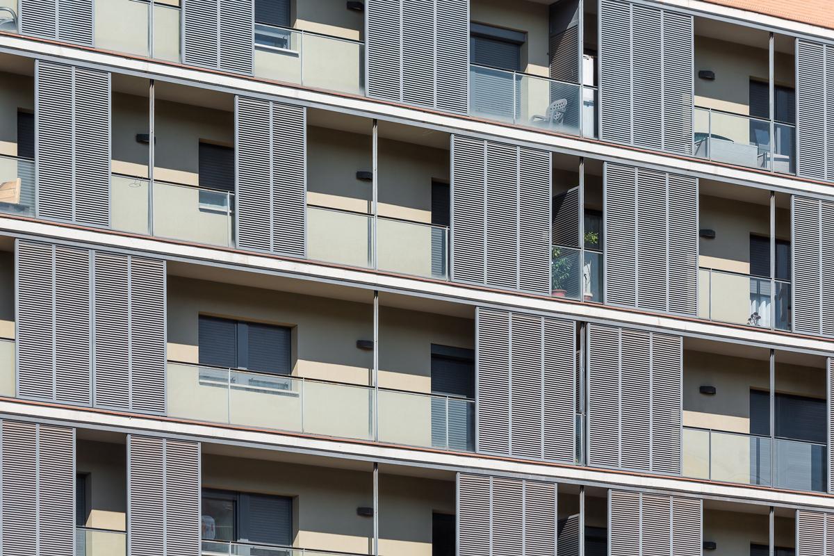 detall façana habitatges avinguda meridiana, 33 habitatges a sant andreu, barcelona