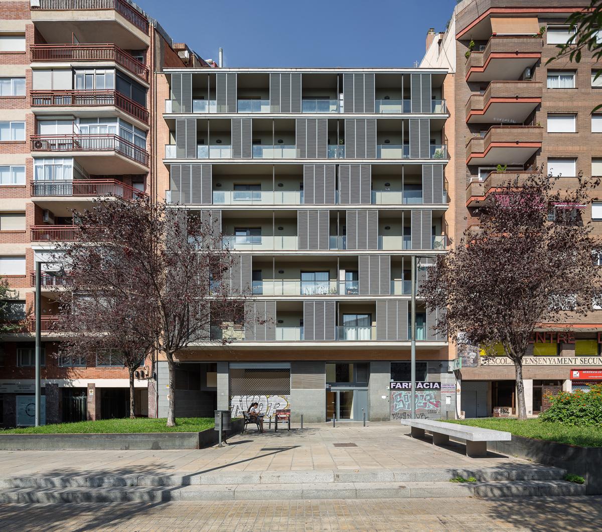 façana habitatges avinguda meridiana, 33 habitatges a sant andreu, barcelona