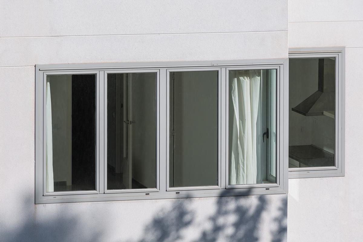 Detall façana, 9 habitatges a nou de la rambla, Barcelona