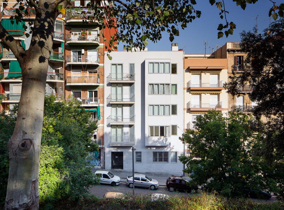 Façana 9 habitatges a nou de la rambla, Barcelona
