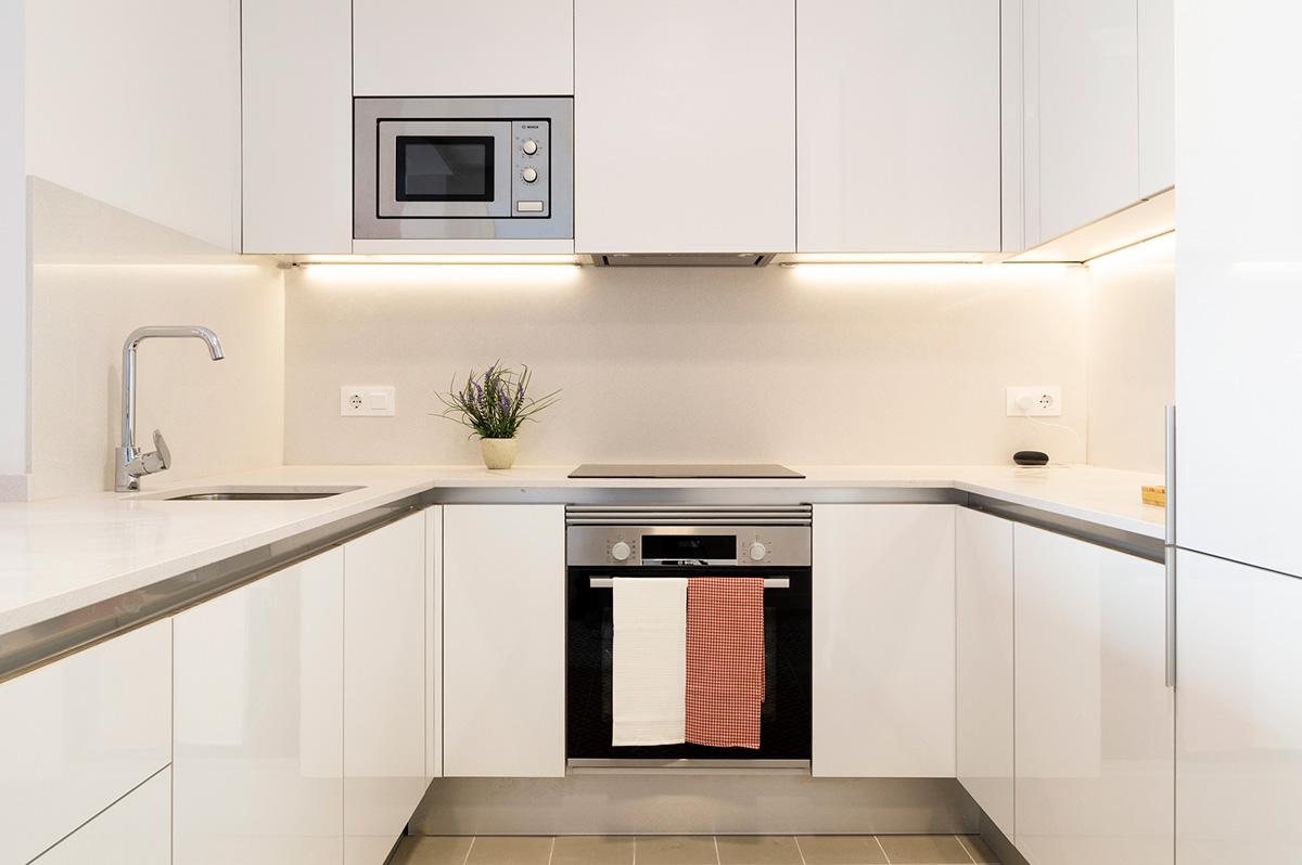 vista cuina, gran rehabilitació, habitatges Ronda General Mitre, Barcelona