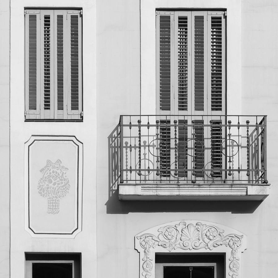Edifici plurifamiliar, 10 habitatges, Avinguda Mare de Deu de Montserrat, Barcelona