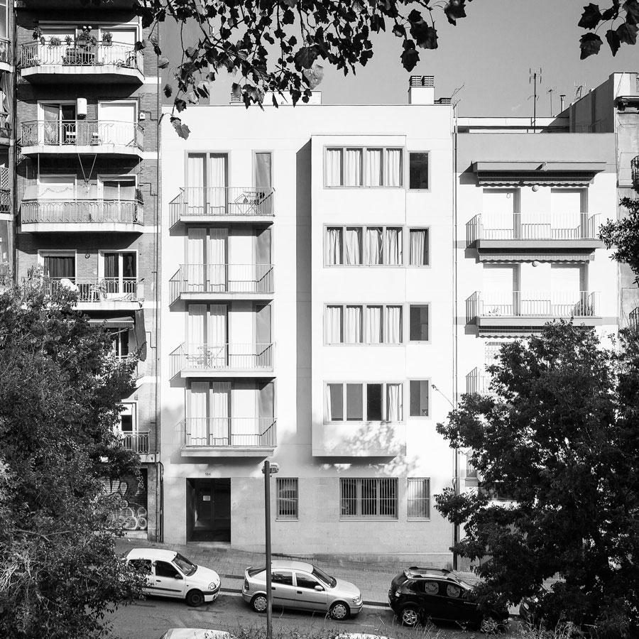 Edifici plurifamiliar, 9 habitatges, carrer Nou de la Rambla, Barcelona