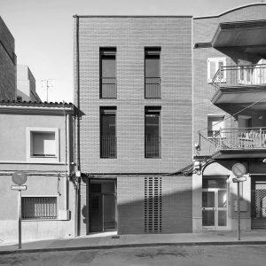 experiencia, Edifici plurifamiliar, 3 habitatges, carrer Josep Masgrau, Cornellà de Llobregat