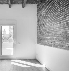 experiencia, Gran rehabilitació, edifici existent 5 habitatges, carrer Guilleries, Barcelona