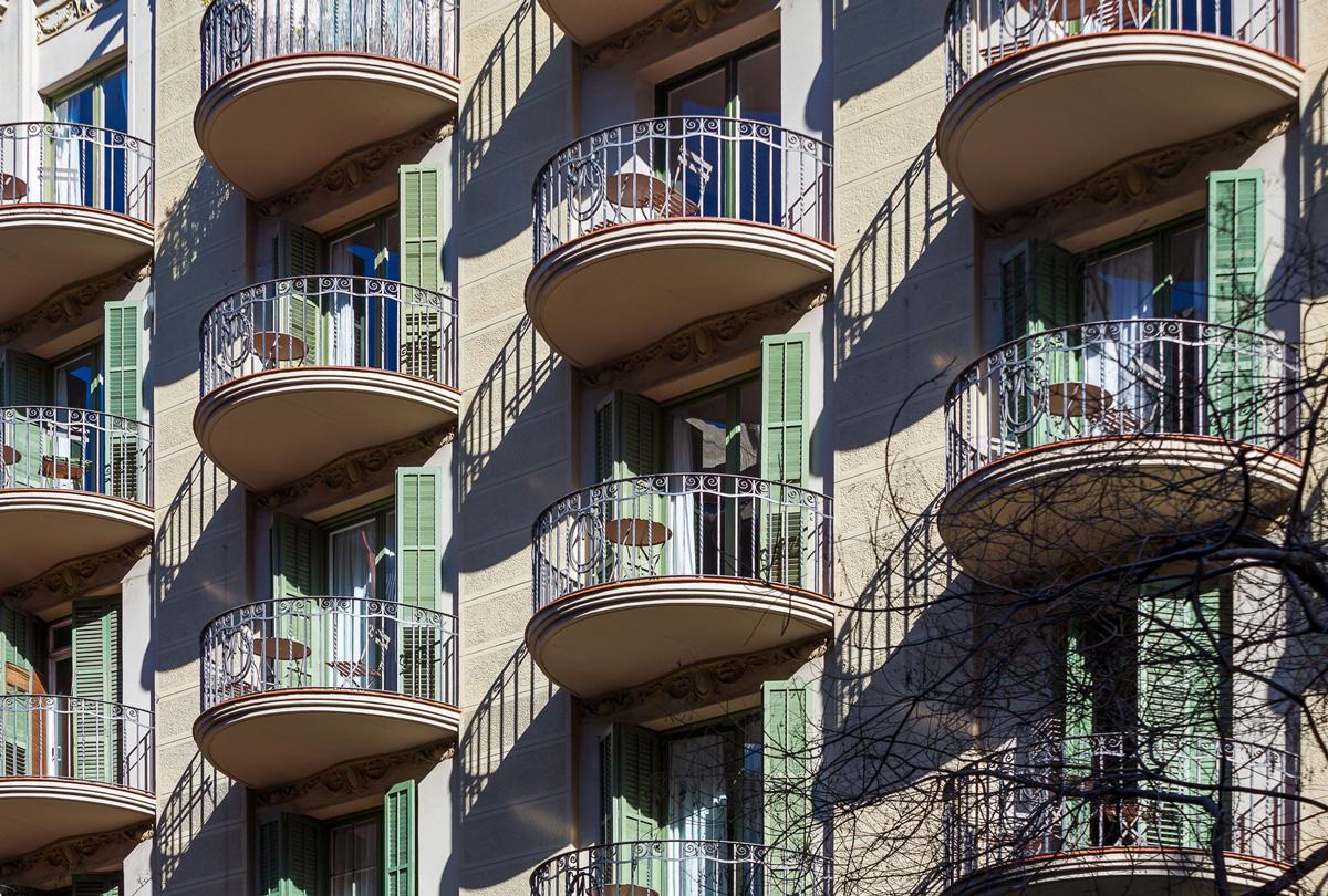 detall façana principal habitatges carrer Aribau 226-228, Barcelona