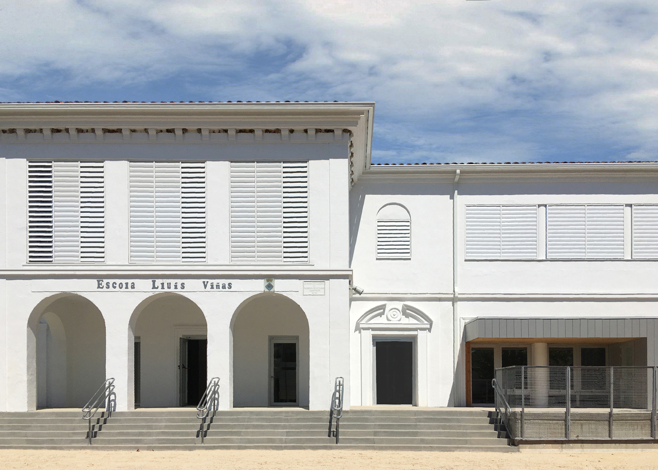 Entrada principal Escola Lluís Viñas i Viñoles