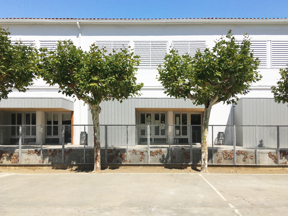 imatge de la façana fontal de les aules de infantil